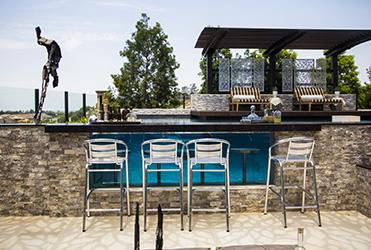 Swim-up Bars